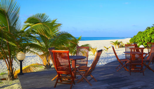 patio%20beach%20shutterstock 7703614 - Features
